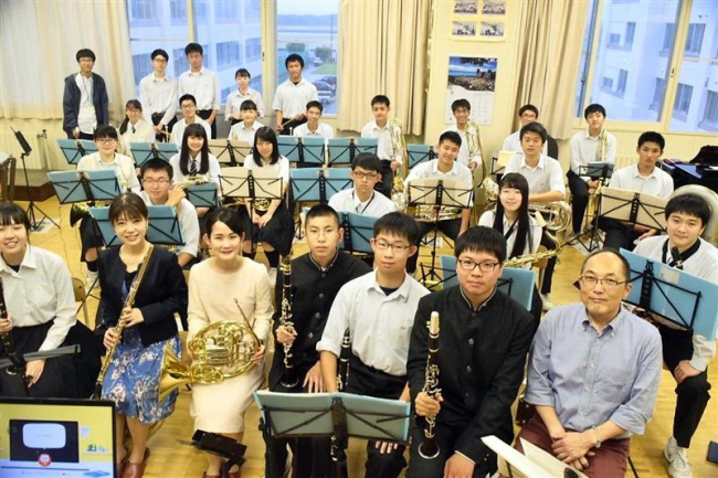 帯工生に吹奏楽指導 AIコンサートの演奏家2人が来帯 30日本番