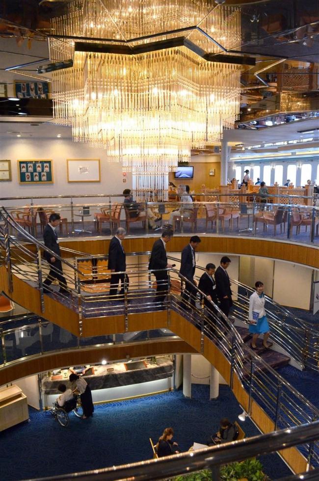 豪華客船「ぱしふぃっくびいなす」8年ぶり十勝港入港