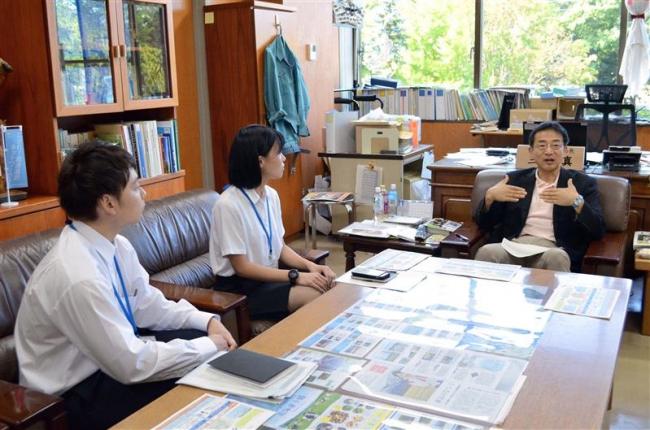 十勝総合振興局のインターンシップ生、三井局長と意見交換