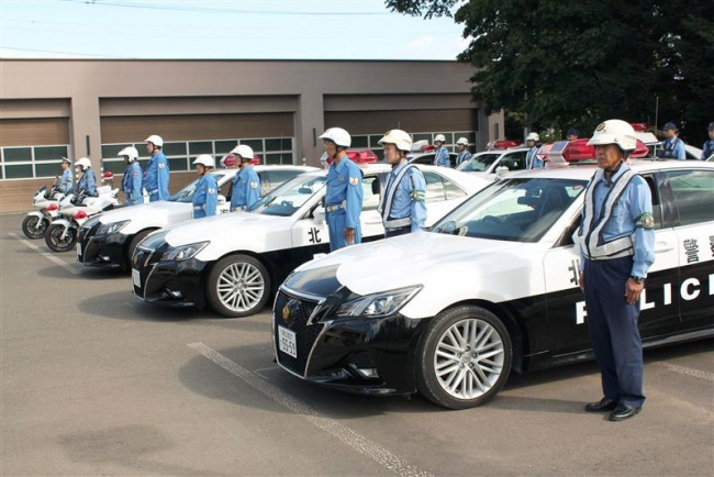 秋の全国交通安全運動 十勝機動警察隊と帯広署が合同出動式