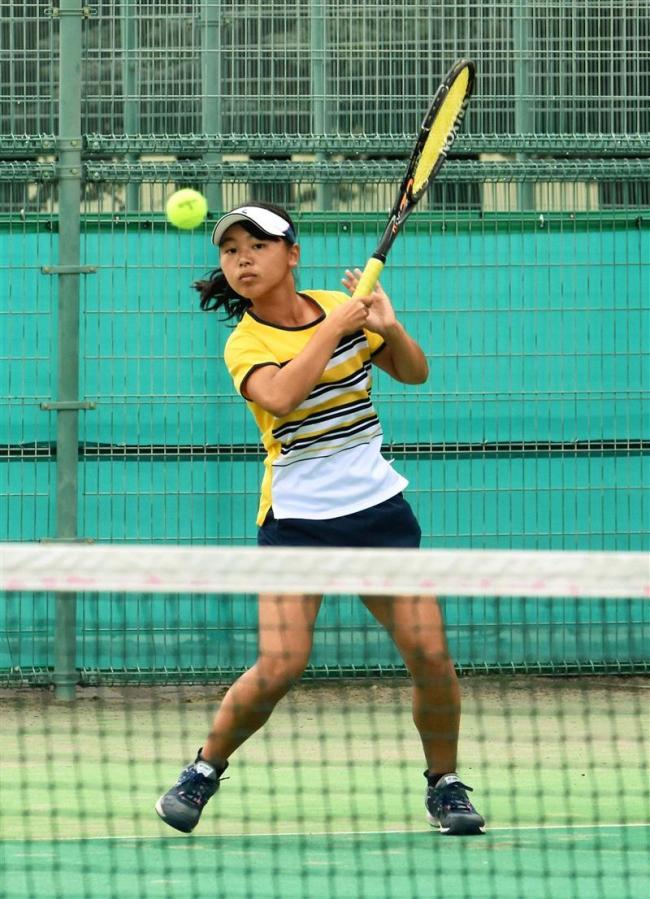 帯南商の井上愛子が女子3冠達成、十勝地区高校新人戦テニス大会