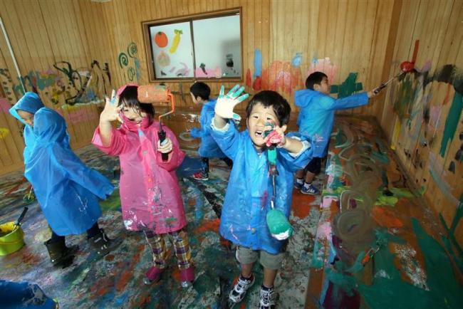 解体予定の建物に子どもたちが落書き 本別