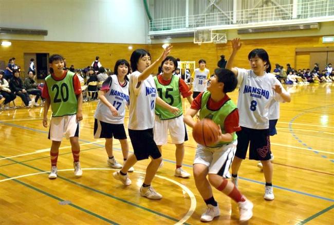 中学3年生が高校バスケ体験 レッツトライバスケットボール