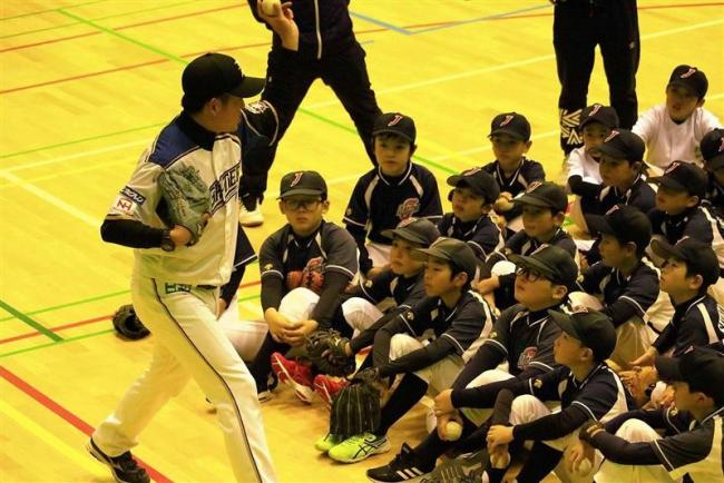 芽室でファイターズ野球教室