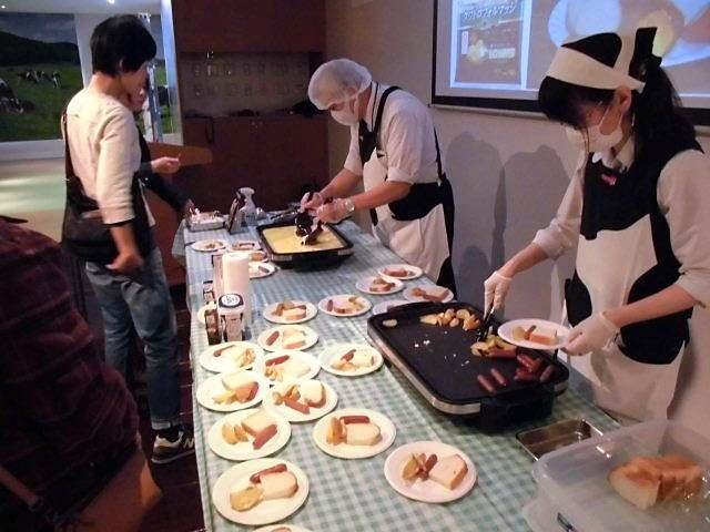 親子130人がチーズ学ぶ 明治がチーズの日イベント