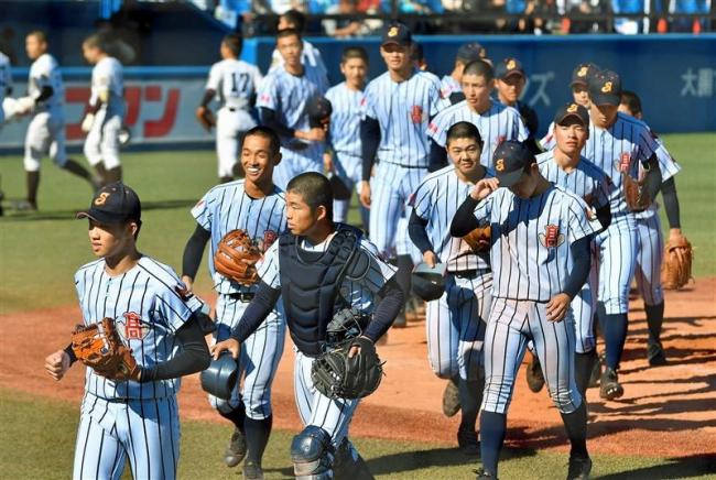 神宮で白樺野球の強さ証明 歴史的初勝利の白樺学園、決勝進出へ気合