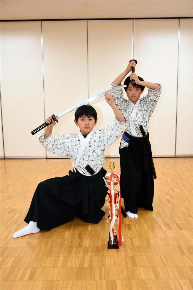 神刀流・西小5年の寺口日本一、緑丘小4年の工藤は3位 吟剣詩舞全国大会
