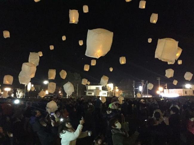 ランタンの明かりで幻想的雰囲気に ガーデンスパ十勝川温泉3周年イベント 音更