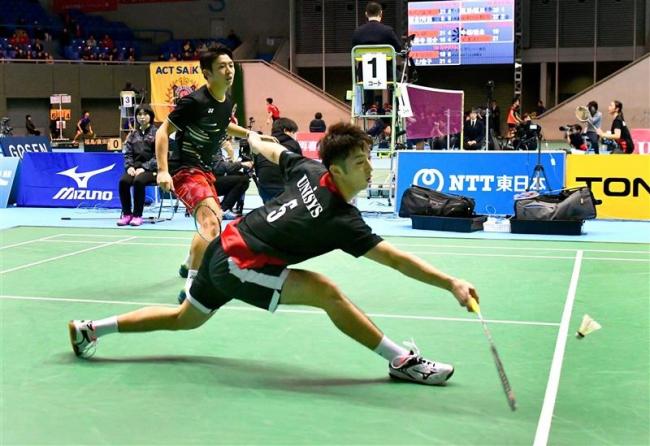 岡村ダブルス8強入り 女子ナガマツ準々決勝へ 全日本総合バドミントン選手権
