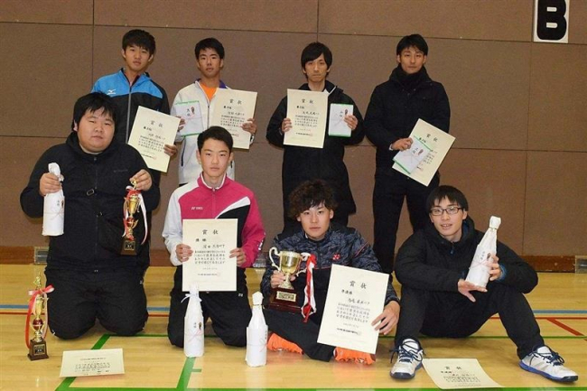 窪田・大内組V 勝毎杯全十勝男子室内ソフトテニス大会