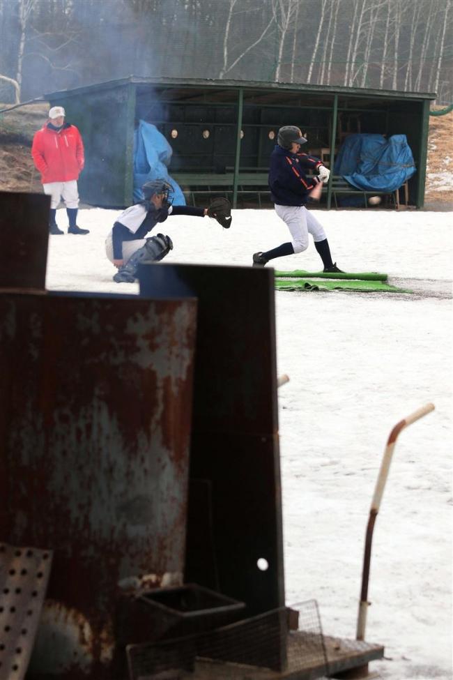 センバツ21世紀枠候補の帯農野球部 雪上で初練習