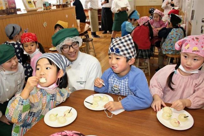 清水高生が園児に食育指導