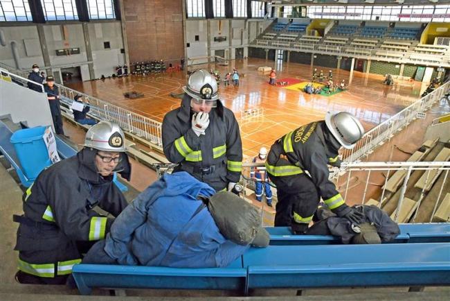 旧総体で救助訓練 広域消防局