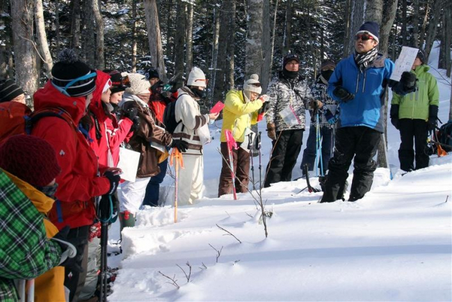 冬山の魅力を発見 鹿追でスノーシューツアー