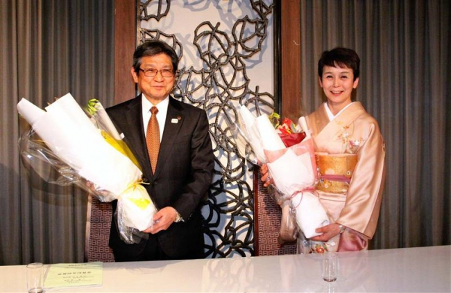 帯広水泳協会小柴会長と佐藤副会長の受賞祝賀会、61人功績をたたえる