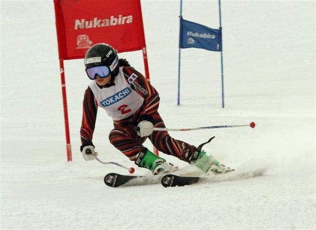 加藤もも子、男子は今村心温V 全十勝中体連スキー大会