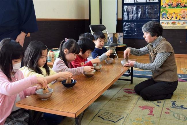 幼稚園児が茶道体験 音更