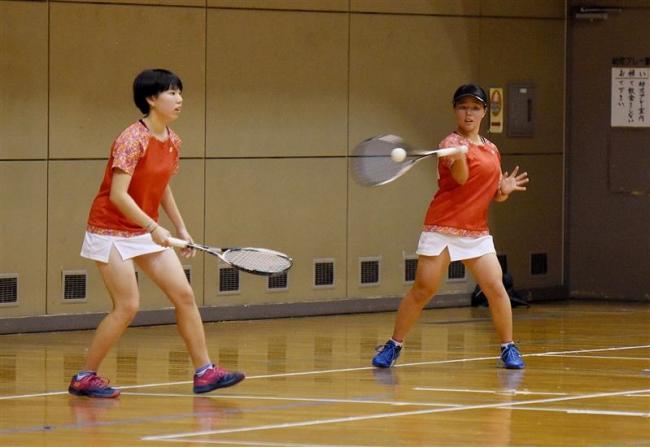 帯大谷の稲冨・荒井組V 十勝高校インドアソフトテニス大会女子の部