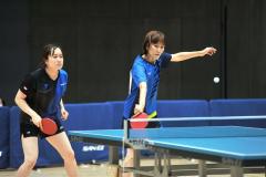 女子準優勝の金森(右)・宮田組