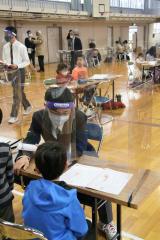 こぼれ話「本別中央小の学習サポートに本別高生がボランティア参加」 4