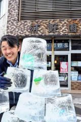 「毎日営業終わりに少しずつ作り足していってるんです」と笑う柳澤代表