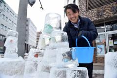 「毎日、営業を終えた後に少しずつ作り足しています」と笑顔を見せる柳澤さん
