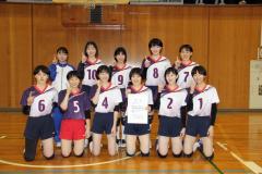 女子3連覇の帯大谷(前列左から4人目が松本穂乃花主将)