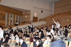 教員たちが最後の卒業生祝う 江陵高で3年生を送る会 8