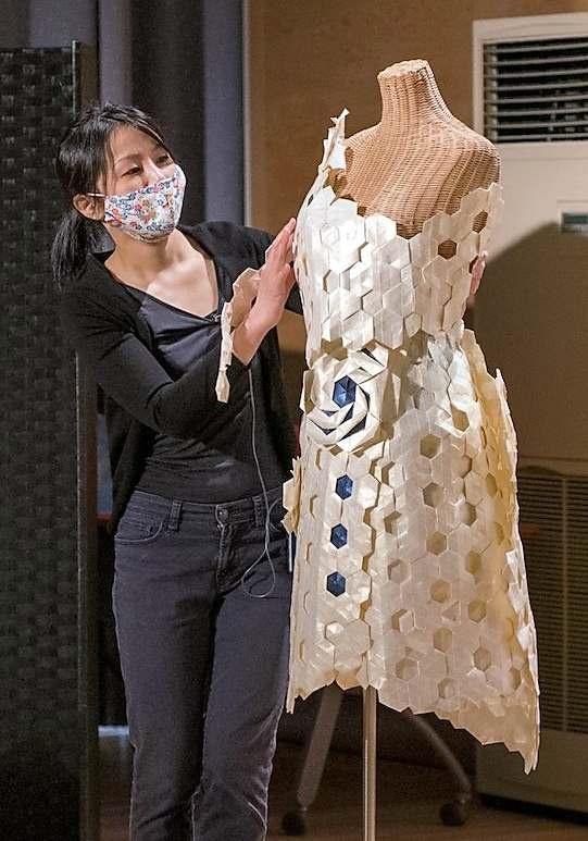 紙が織りなす造形の世界紹介 忠類出身の加藤さん