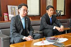 昨季を振り返り今季の目標などを語った(左から)金澤宗一郎社長と長野聡監督