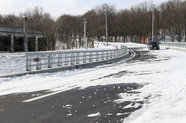 16年台風で被災した石山橋が開通 清水