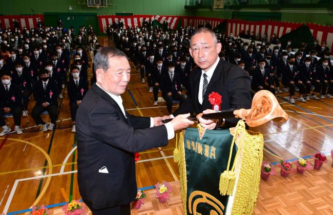65年の歴史に幕 江陵高で閉校記念式典