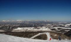 遠景近景 新得・サホロリゾートスキー場のパノラマ 2