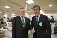 オープンを喜ぶ藤本社長と高橋社長