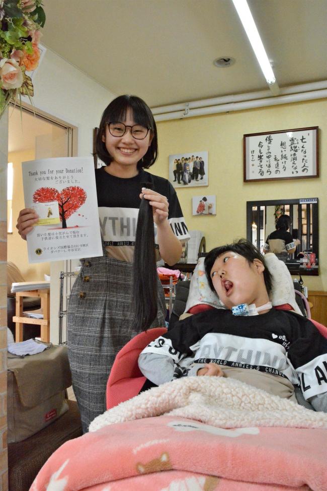「姉妹の固い絆の証し」 音更の岡田さんがヘアドネーションで髪の毛寄付