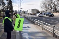 国道沿いで旗の波作戦 十勝総合振興局が交通安全啓発 3