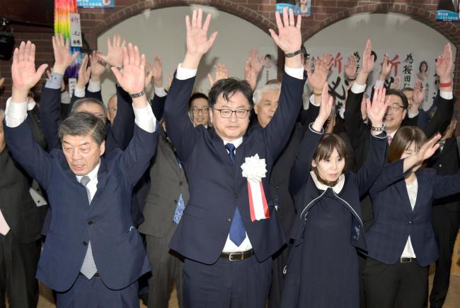 豊頃町長選 按田氏が無投票で初当選