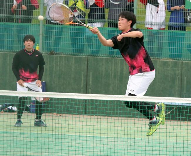 帯農の竹市・佐藤組、女子は帯緑陽の井戸坂・長屋V 高校春季ソフトテニス