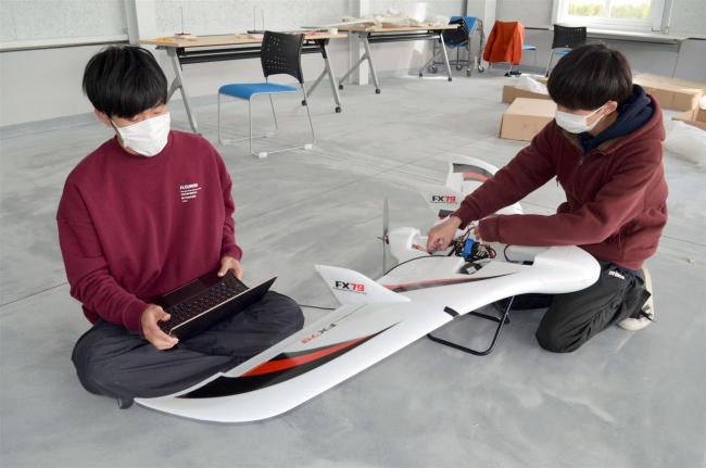 電気通信大が小型無人飛行機実験 大樹