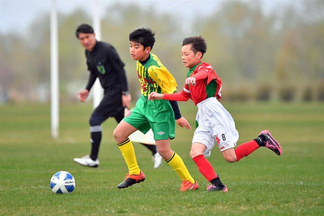 勝毎杯U12サッカーリーグ開幕、37チーム熱戦