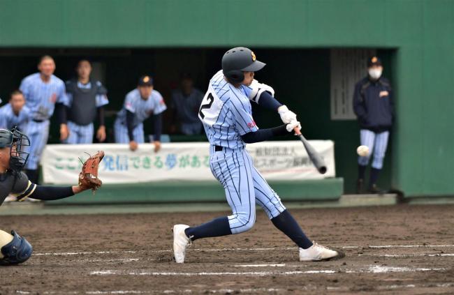 白樺学園、鈴木の大会第1号3点本塁打などで接戦制し頂点 春季道高校野球支部予選