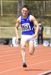 男子100メートル32組 1着大坂マクマニス将平(東海大北海道-大樹高出)