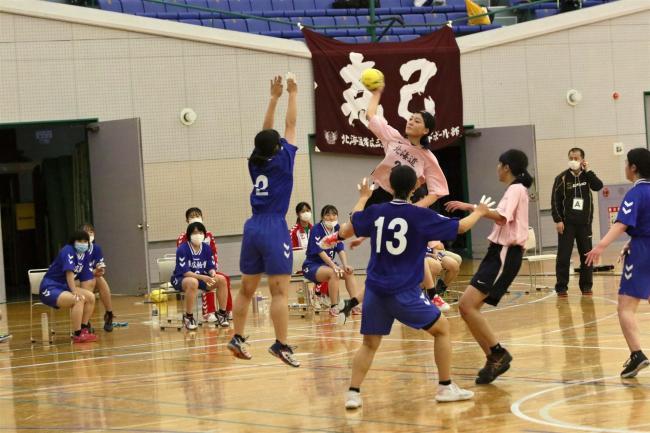 帯三条8大会連続13度目男女優勝 道高体連十勝支部予選ハンドボール
