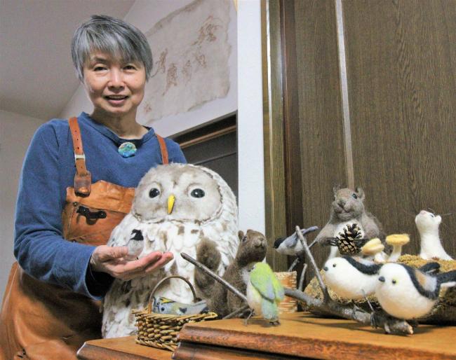 羊毛フェルトで十勝の動物をリアルに作る秋山聡子さん