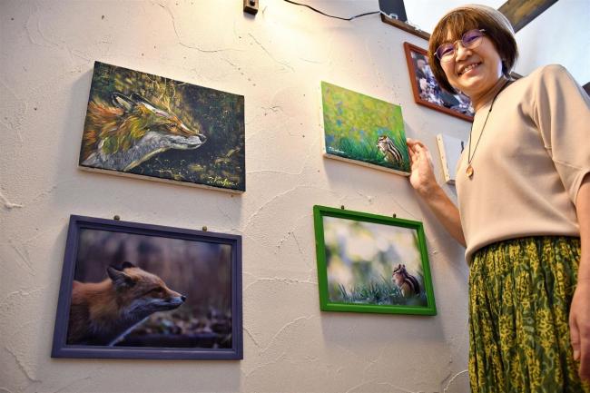 写真とアクリル画がコラボ 帯広の早川さんが札幌の画家と作品展