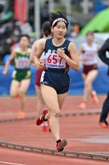 【女子1500メートル決勝】テンポ良く足を振り出して進む佐藤わかな(帯農)