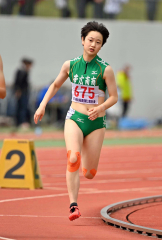 【女子800メートル決勝】スタートして加速する伊藤瑠里(帯南商)