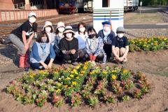 道の駅に花のプランター設置 陸別町商工会 2