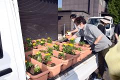 道の駅に花のプランター設置 陸別町商工会 4