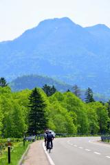 遠景近景「カルデラを走る 上士幌」 2